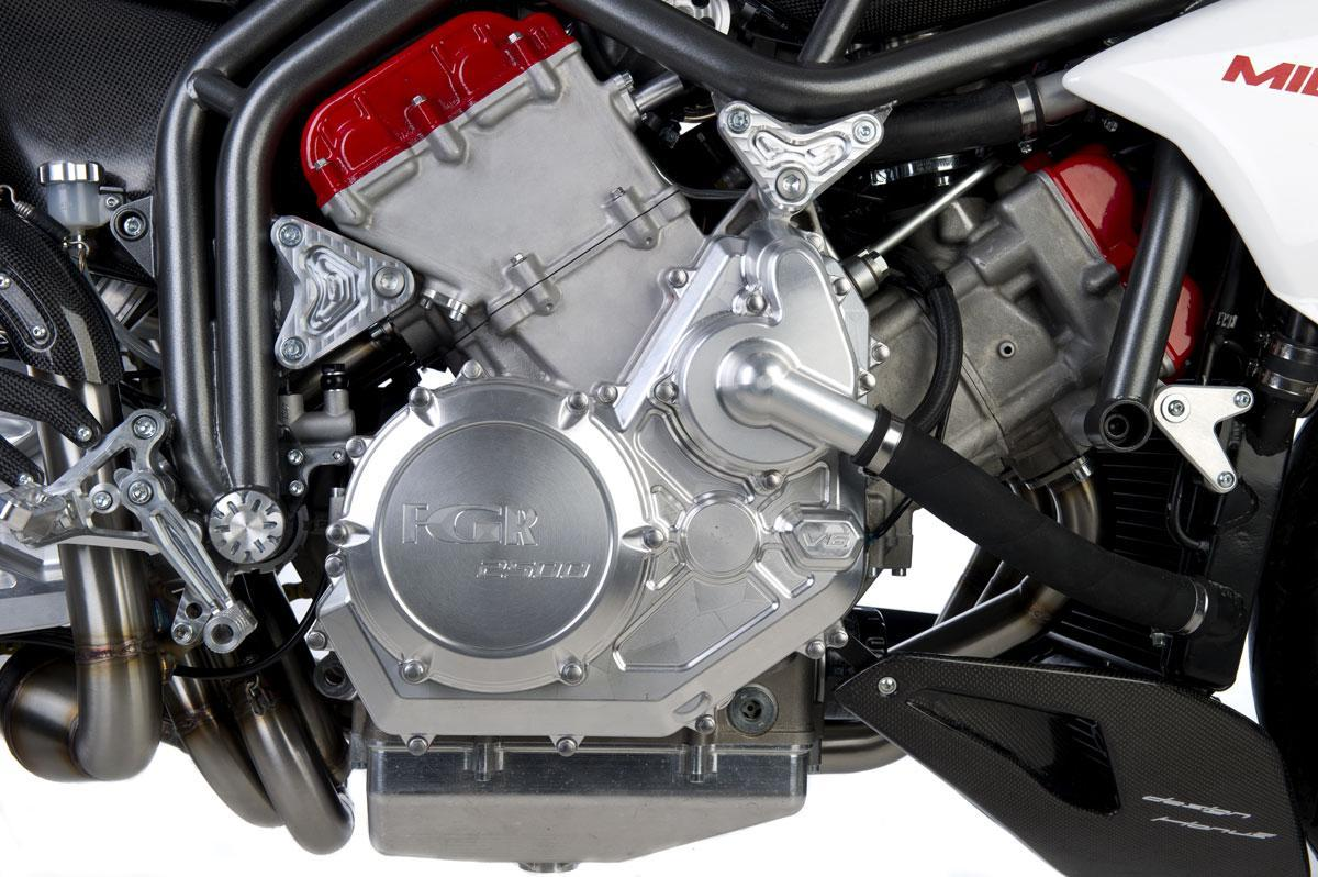 Foto de FGR Midalu V6, 2500 cc y 240 CV para una Naked (8/10)
