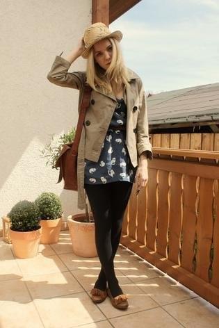 Moda en la calle Primavera-Verano 2010: looks con el vestido clon Miu Miu de Zara