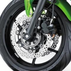 Foto 34 de 52 de la galería kawasaki-er-6f-2012-version-carenada-y-mas-agresiva en Motorpasion Moto