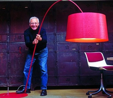 Twiggy de Foscarini, la lámpara más sesentera en una nueva edición limitada esta noche en Milán