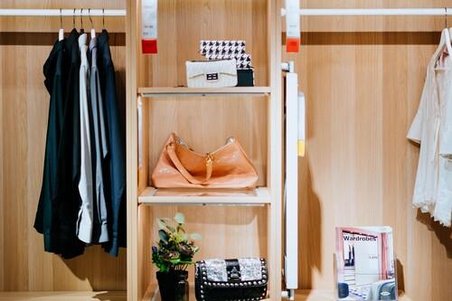 Orden en tu armario: los 12 artículos más vendidos en Amazon para tener la ropa colocada