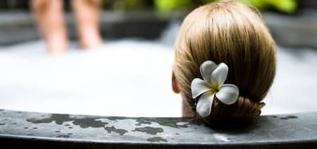Cómo tomar un baño relajante en casa