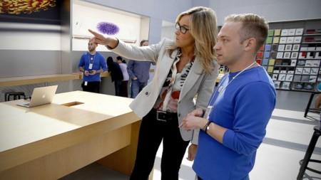 Angela Ahrendts ultima los preparativos para la llegada inminente del Apple Watch en las tiendas