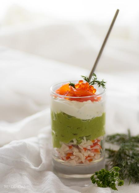 ¿Buscando una receta para el Día del Padre? Prueba este vasito de aguacate, queso fresco y salmón ahumado