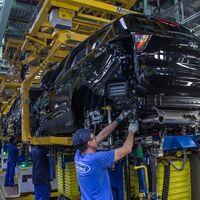 """Situación crítica en Ford Almussafes: con una producción bajo mínimos quieren bajar sueldos """"para atraer nuevos proyectos"""""""