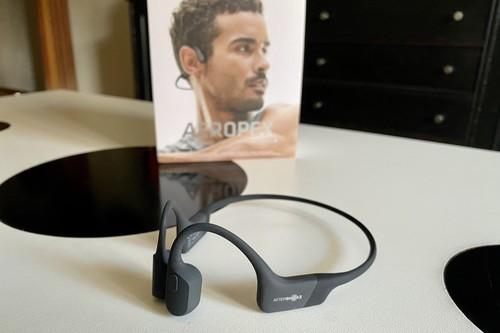 Probamos los nuevos Aeropex de Aftershokz: auriculares deportivos de conducción ósea, con sonido mejorado