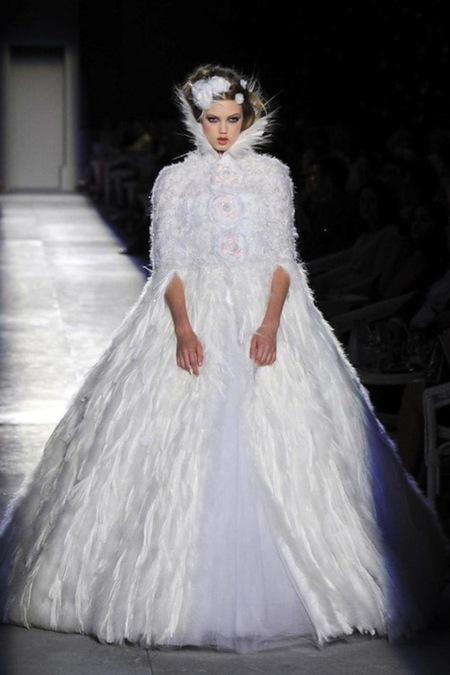 Chanel Alta Costura Otoño-Invierno 2012/2013: rosa, gris, brillos y nuevo vintage