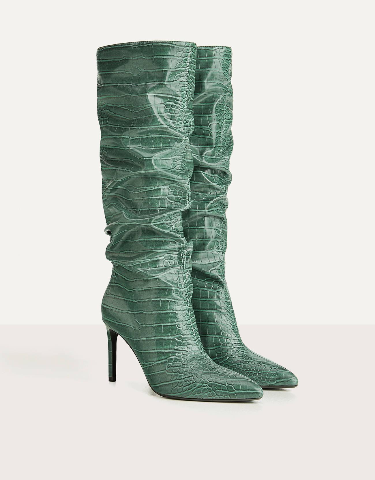 Botas altas verdes de caña arrugada