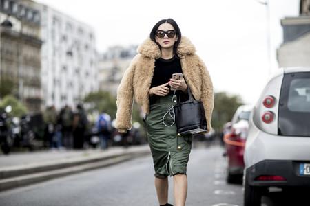 La chaqueta de moda cuesta 2.200 euros y está arrasando en las RRSS