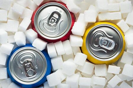 El Gobierno planea subir el IVA de todos los refrescos del 10 al 21 %: también en bebidas edulcoradas, zumos y gaseosas
