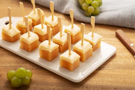 Tres quesos para combinar con dulce de membrillo y cinco recetas para disfrutarlo en el picoteo del finde