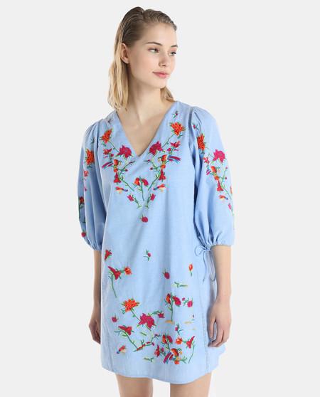 a357fc70401 Por 19,99 euros tras un 50% de descuento, tenemos este vestido de mujer  Fórmula Joven bordado y con manga amplia. Está disponible en las tallas 36,  38, 40, ...