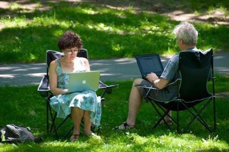 Internet es un derecho fundamental para el 79% de usuarios, según una encuesta de la BBC