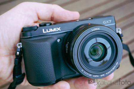 Lumix GX7 en las manos