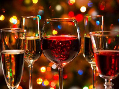Lo que vas a tener que entrenar para sudar todas las calorías del alcohol que tomarás en Nochevieja