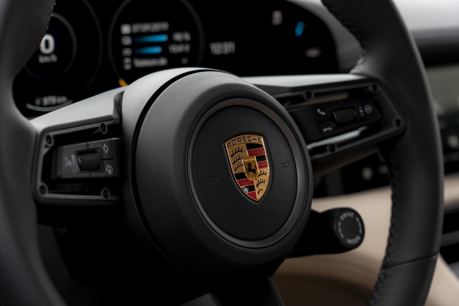 Foto de Porsche Taycan prueba contacto (41/275)