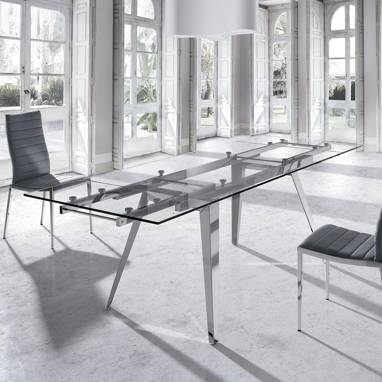 Buena o mala idea mesas de cristal para el comedor for Adornos mesa comedor cristal