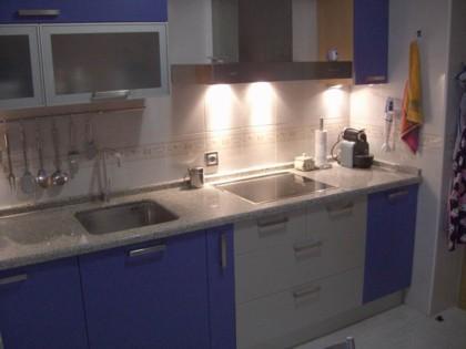 Enséñanos tu casa: el apartamento de Cris y Javi en León (II)