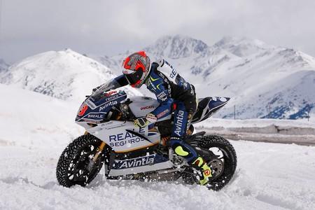 Presentacion Reale Avintia Racing Motogp 2017 5