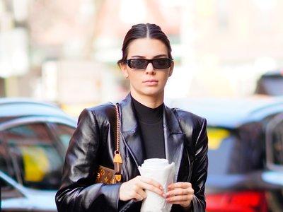 Kendall Jenner se ha vuelto adicta a las chaquetas de cuero (y de paso, nos enseña cómo combinarlas)