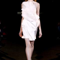 Foto 4 de 17 de la galería givenchy-alta-costura-primavera-verano-2010-una-coleccion-dominada-por-las-transparencias en Trendencias