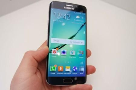 Apps y trucos para manejar tu celular con un solo dedo