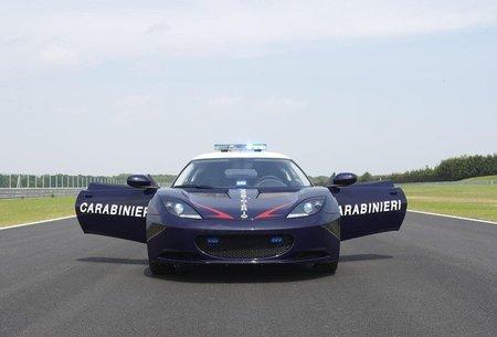 Los Carabinieri reciben un par de Lotus Evora S