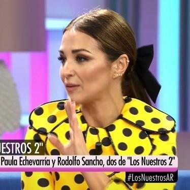 """Paula Echevarría sigue eligiendo looks primaverales para la promoción de """"Los Nuestros 2"""""""