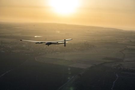 Solar Impulse II sobrevolando Sevilla