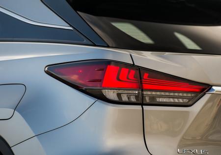 Lexus RX450h 2020 luces traseras