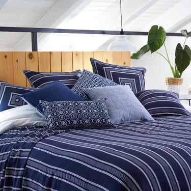 La apuesta La Mallorquina para esta primavera es el color azul en todos los textiles del hogar (incluido la terraza)