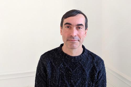 Consiguió uno de los hits de los años 90 y ahora se dedica a hacer playlists en Deezer: Francisco Nixon, editor de Deezer España