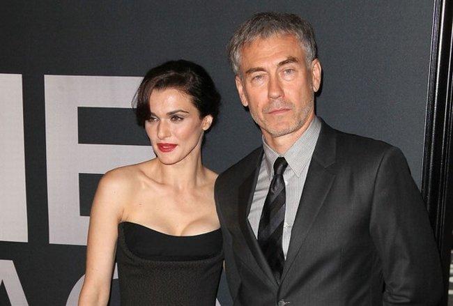 Rachel Weisz y Tony Gilroy en el estreno de El Legado de Bourne