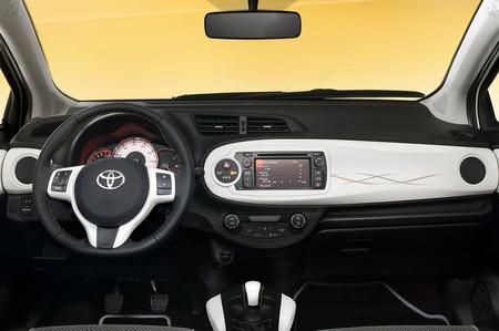 Toyota Yaris Trend 2012, vista interior