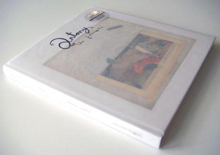 La edición deluxe de Swanlights de Antony and The Johnsons incluye un libro de 144 páginas