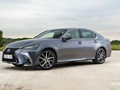 Probamos el Lexus GS300 h F Sport, la berlina híbrida que te aislará del mundo exterior