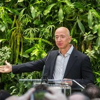 Amazon ahora critica a SpaceX y acusa a las empresas lideradas por Musk de romper las reglas