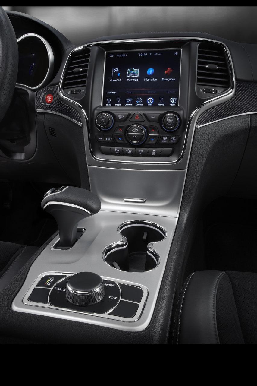 Foto de 2014 Jeep Grand Cherokee SRT (23/41)