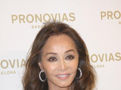 Isabel Preysler deslumbra como madrina de la nueva boutique de Pronovias