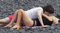 Lady Gaga y su novio retozan en la playa