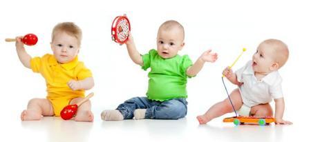 Bebés con instrumentos musicales