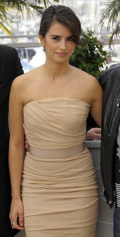 El vestido de novia de Penélope Cruz: sus mejores looks con vestidos de fiesta blancos. Dolce Gabbana I