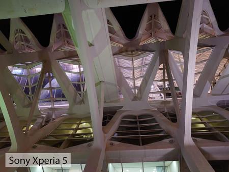 Sony Xperia 5 Noche Auto 02