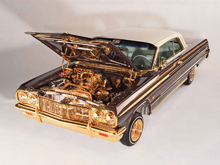 'Pura Onda', un 1964 Chevrolet Impala SS chapado en oro