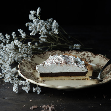 Tarta de chocolate con whisky y chantilly de sirope de arce: receta