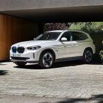 El BMW iX3 ya tiene precio en México: la versatilidad y manejo del X3, pero en formato eléctrico