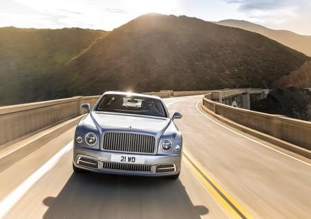Bentley despide al Mulsanne con un emotivo video antes de cederle la corona al Flying Spur