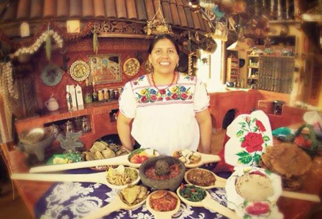 11 encuentro de cocina tradicional de michoac n dando for Cocina tradicional