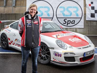 Sabine Schmitz nos enseña cómo manejar el Nürburgring Nordschleife en un Porsche 911 GT3 R