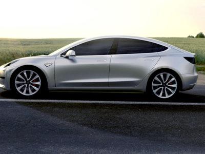 ¿Desbancará el Tesla Model 3 al Toyota Prius como el coche de ecologistas?